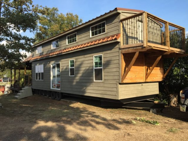 Extremely-Energy-Efficient-Tiny-House-640x480