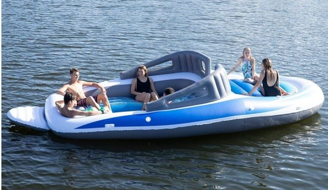inflatable-Bay-Breeze-Boat-Island-Party-640x371