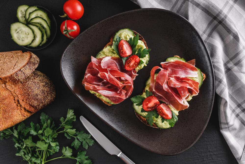 prosciutto avocado sandwich
